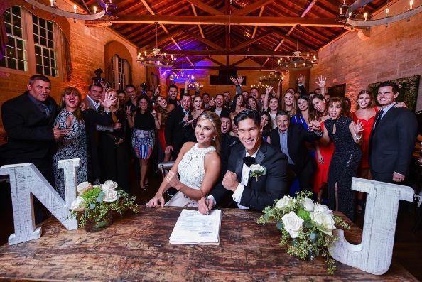 Photo of Chyno Miranda se casó por civil con la modelo Natasha Araos