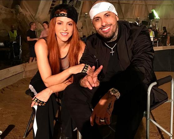 Photo of Shakira y Nicky Jam muestran como nacio Perro Fiel