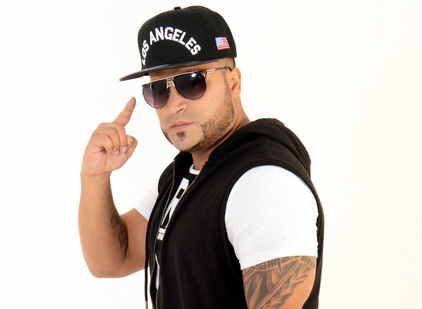 """Photo of Tico """"El Inmigrante"""" regresa a la música con """"Ámame"""""""
