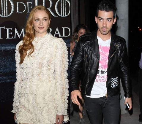 Photo of Joe Jonas se compromete con Sophie Turner