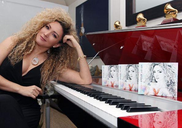 Photo of Erika Ender presente en la Expo Compositores
