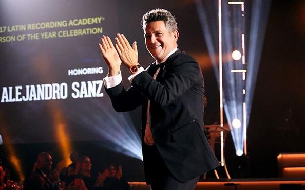 Photo of Alejandro Sanz homenajeado como Persona del Año en los Grammys Latinos