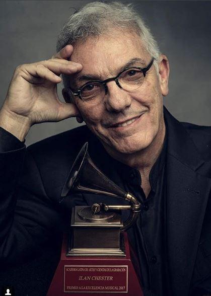 Photo of Ilan Chester recibio el premio a la excelencia en los Latin Grammy