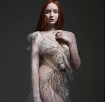 Photo of HBD para Lily Cole