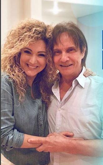 Photo of Erika Ender y Roberto Carlos cantan 'Despacito'