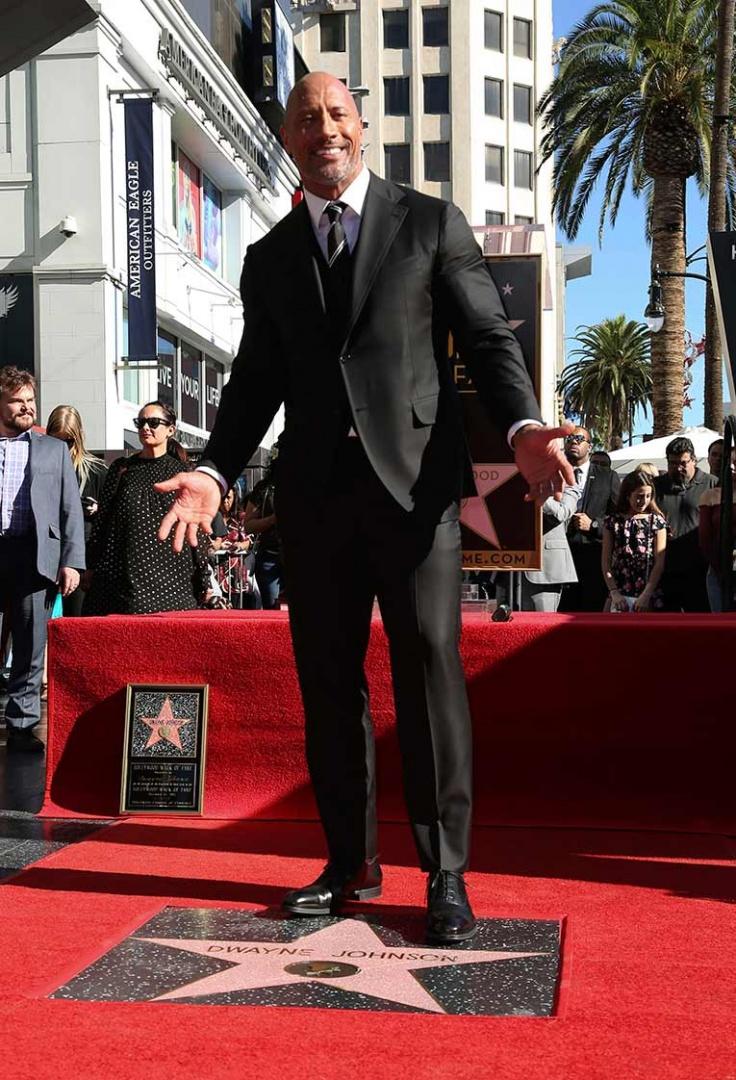 Photo of Dwayne Johnson recibió su estrella en el Paseo de la Fama de Hollywood