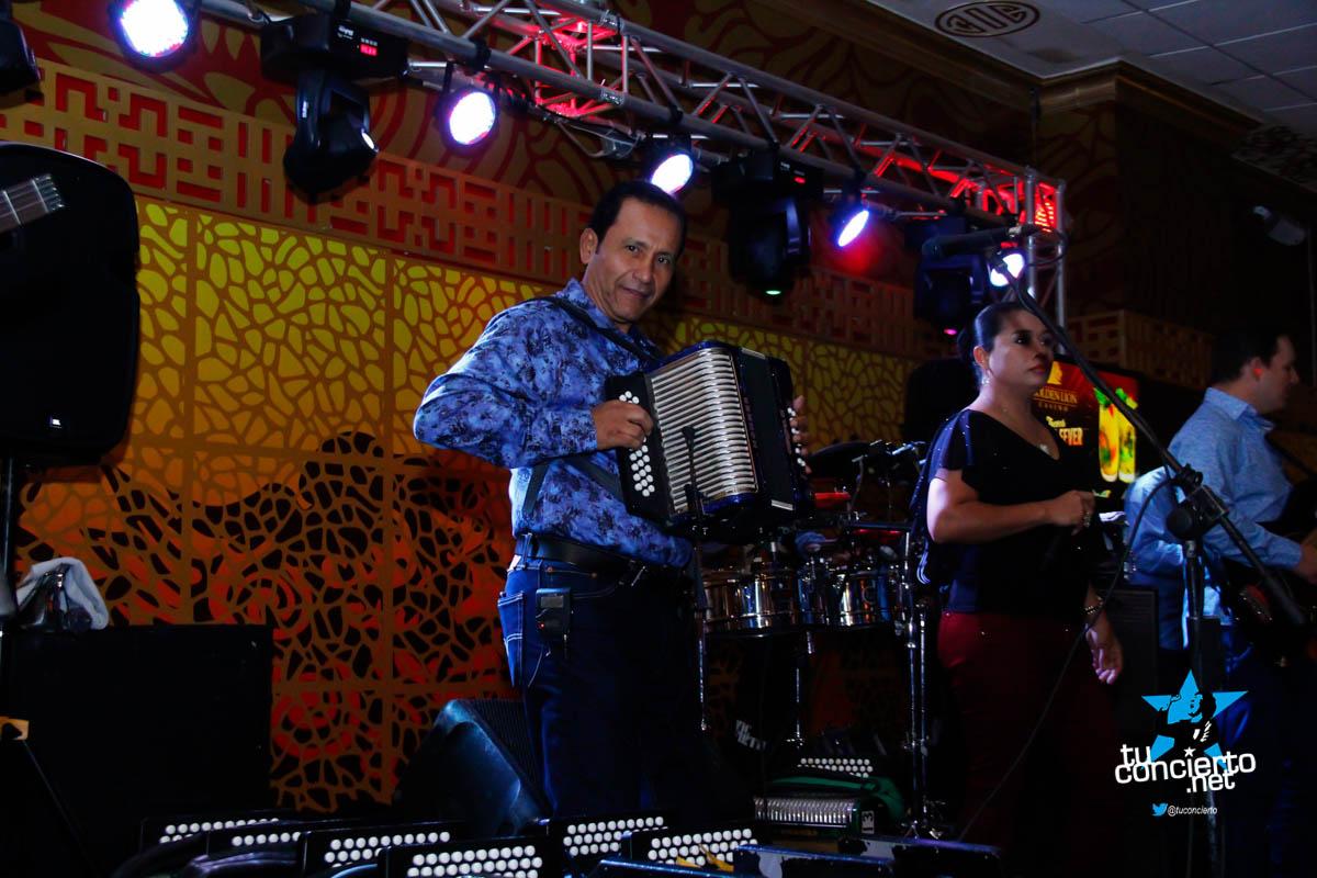 Photo of Nenito Vargas y su conjunto en Golden Lion Casino