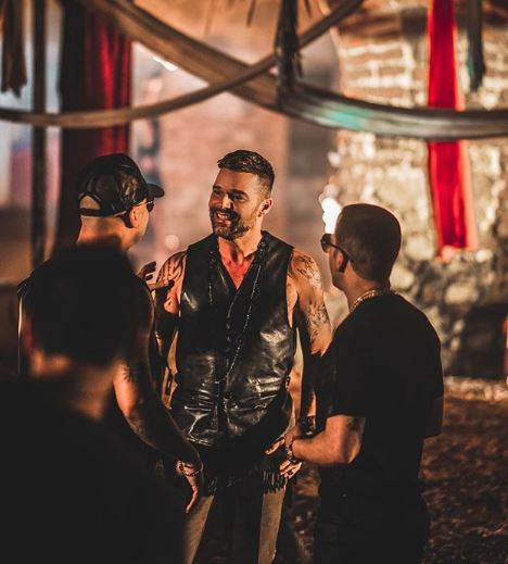 Photo of Ricky Martin anuncia su nuevo sencillo 'Fiebre'