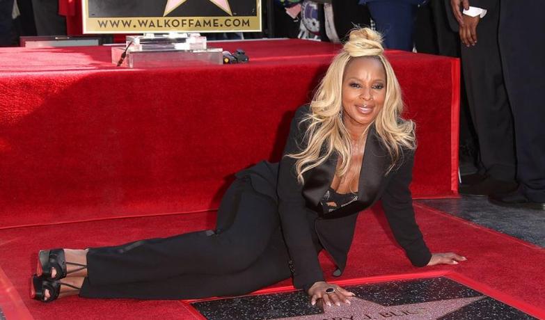 Photo of Mary J. Blige obtiene estrella en el Paseo de la Fama de Hollywood