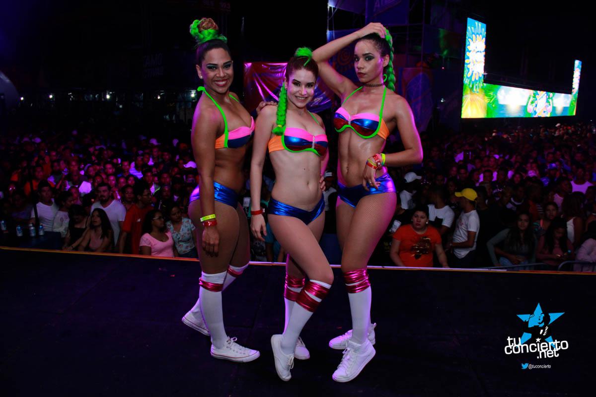 Photo of Carnavales en Chitré con Caliente Radio y las Candygirls