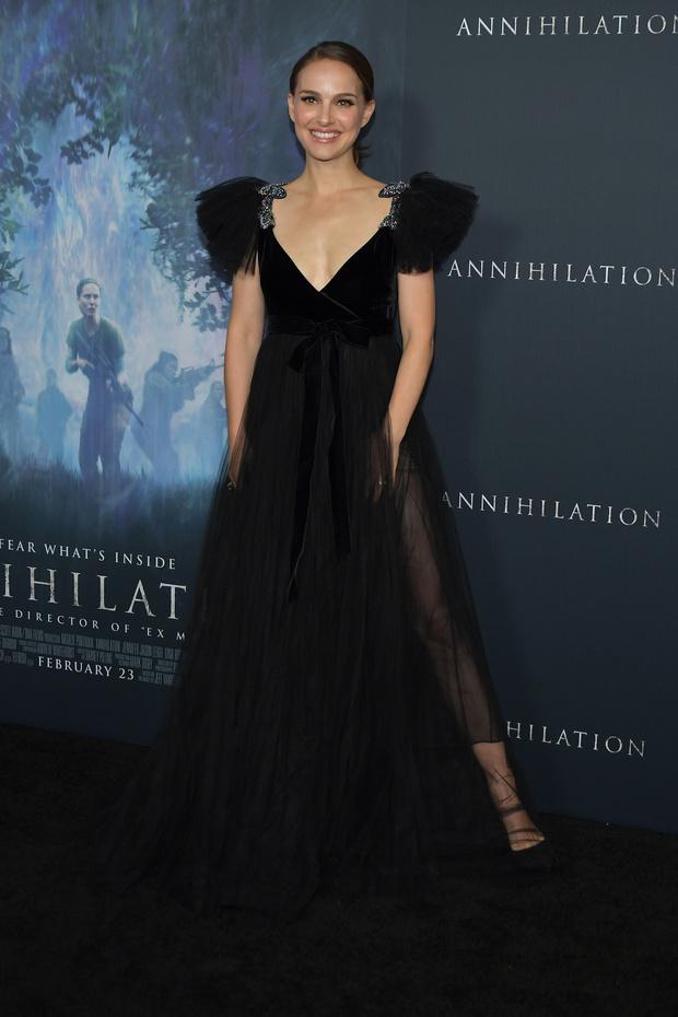 Photo of Natalie Portman impacto con su vestido en el estreno de 'Annihilation'