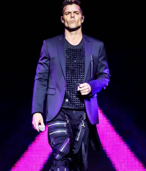 Photo of Ricky Martin vuelve a los escenarios después de su lesión