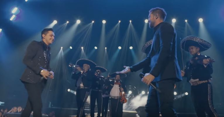 Photo of David Bisbal junto a Christian Nodal presentan 'Christian Nodal'