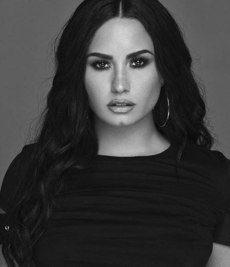 Photo of Demi Lovato estrena la versión español de «Tell Me You Love Me»