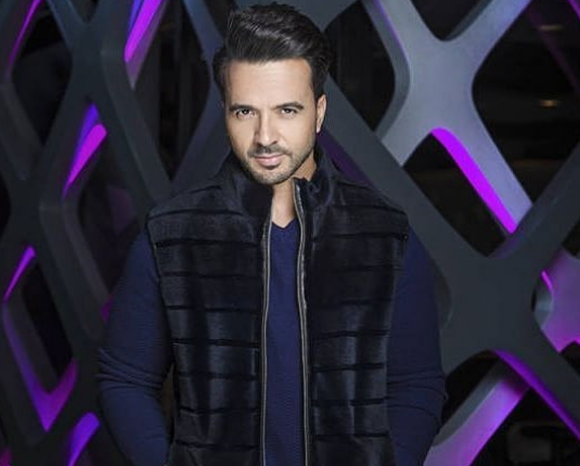 "Photo of Luis Fonsi con ""Love And Dance World Tour"" en Panamá"