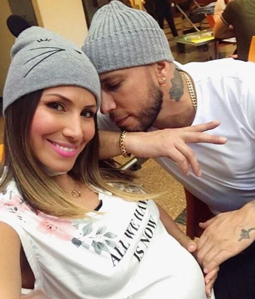 Photo of Alexis y Evelyn Montilla se convierten en Padres
