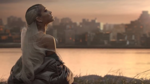 Photo of Ariana Grande lanza «No Tears Left to Cry»