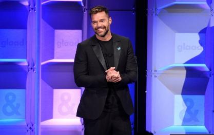 Photo of Ricky Martin es homenajeado por su labor humanitaria