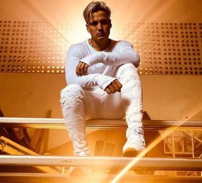 Photo of Gustavo Elis estrenó su nuevo tema «No me dejes solo»
