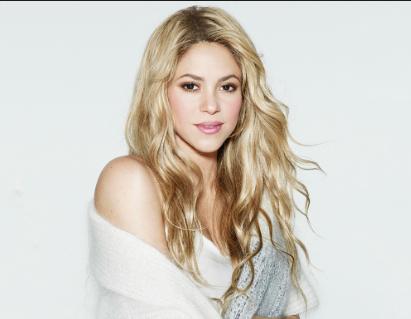Photo of Shakira recibe elogios al posar sin maquillaje