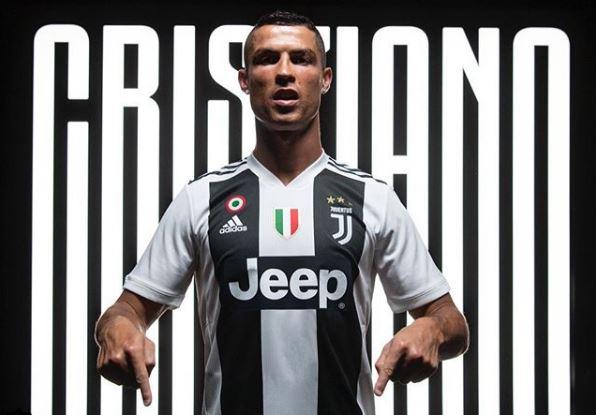 Photo of Cristiano Ronaldo fue presentando por la Juventus