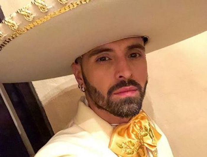 """Photo of Mike Bahía estrena su nuevo videoclip """"Serenata"""""""