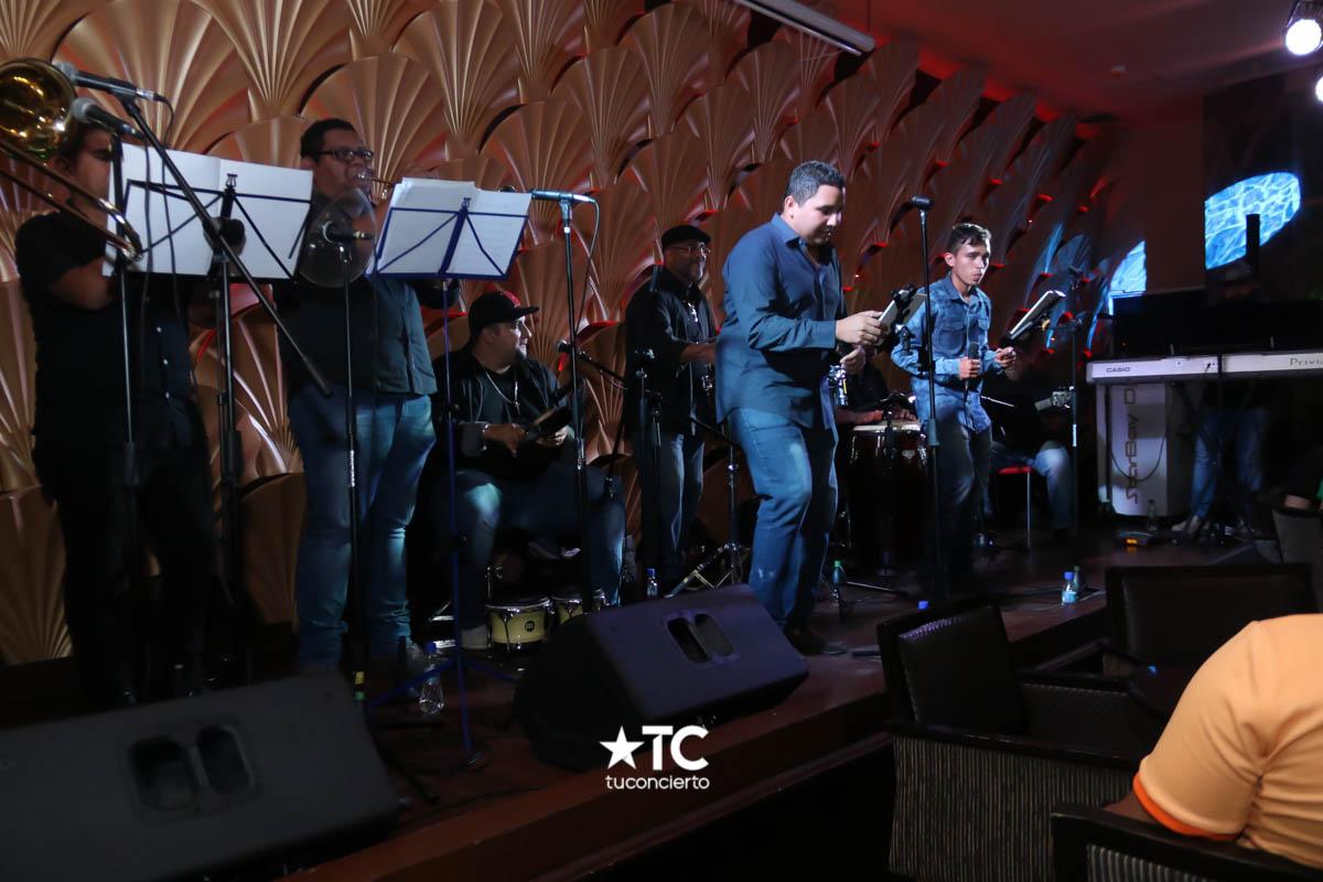 Photo of Show en vivo con la orquesta Junior Band en Starbay Casino