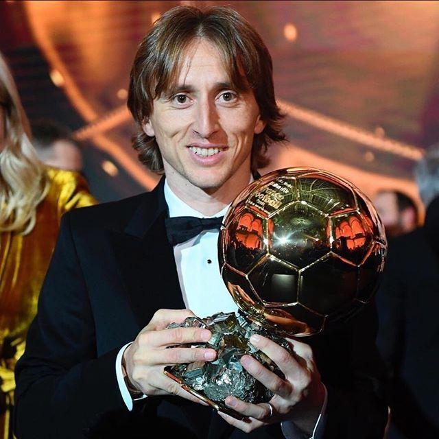 Photo of Luka Modric recibe el Balón de Oro