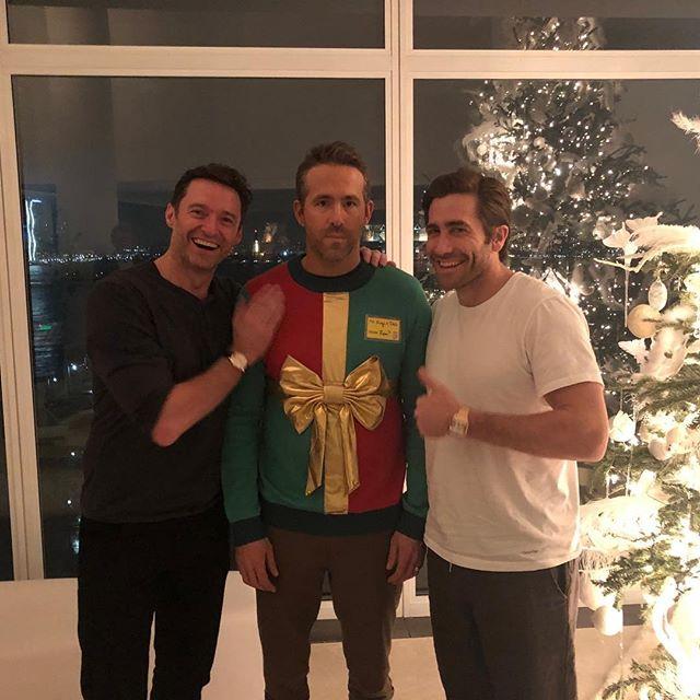 Photo of Hugh Jackman y Jake Gyllenhaal hicieron una broma a Ryan Reynolds