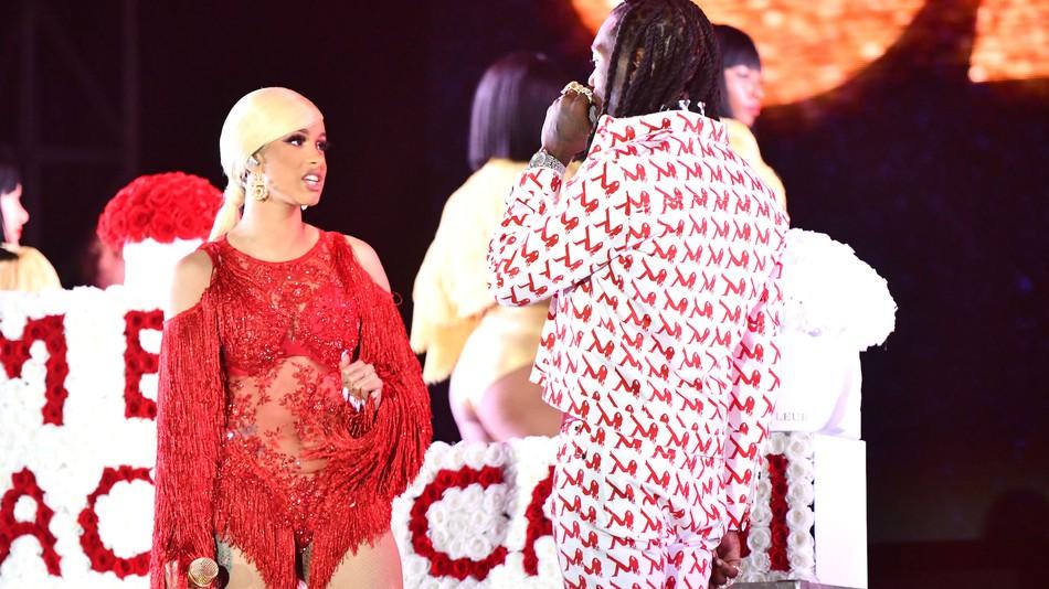 Photo of Offset sorprendió a Cardi B en un concierto en Los Ángeles
