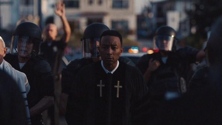 Photo of John Legend comienza su recaudación de fondo con su tema 'Preach'