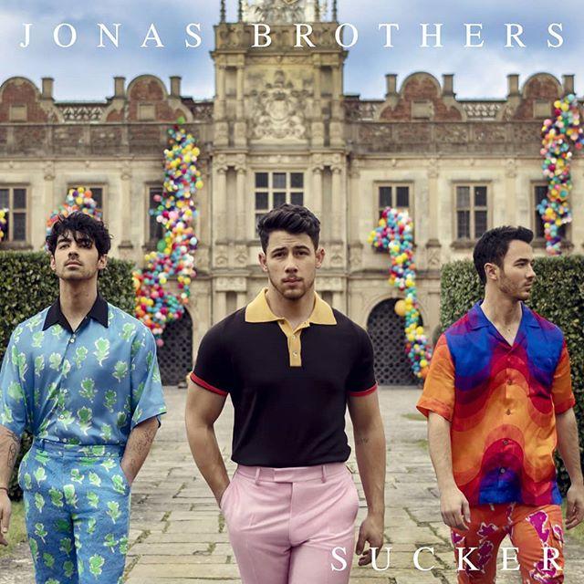 Photo of Jonas Brothers esta de regreso y anuncia su nuevo single 'Sucker'