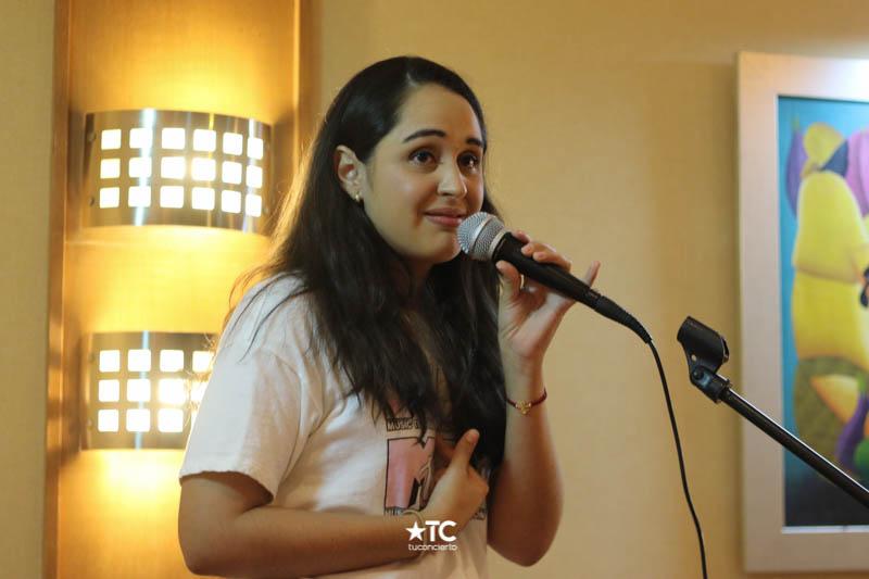 Photo of Michelle Alpizar en Humor a la Carta en Humor a la Carta by tuconcierto