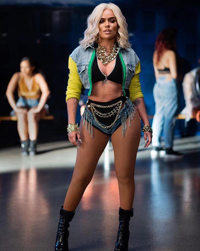 Photo of Karol G envía sus respetos a la cantante  Ivy Queen