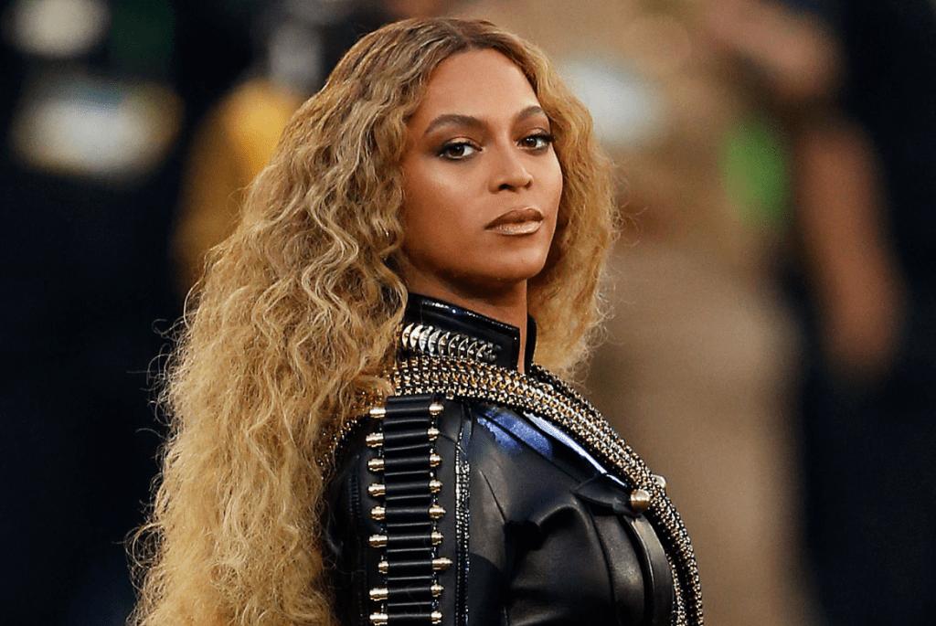 Photo of Adidas ficha a Beyoncé como «socia creativa»