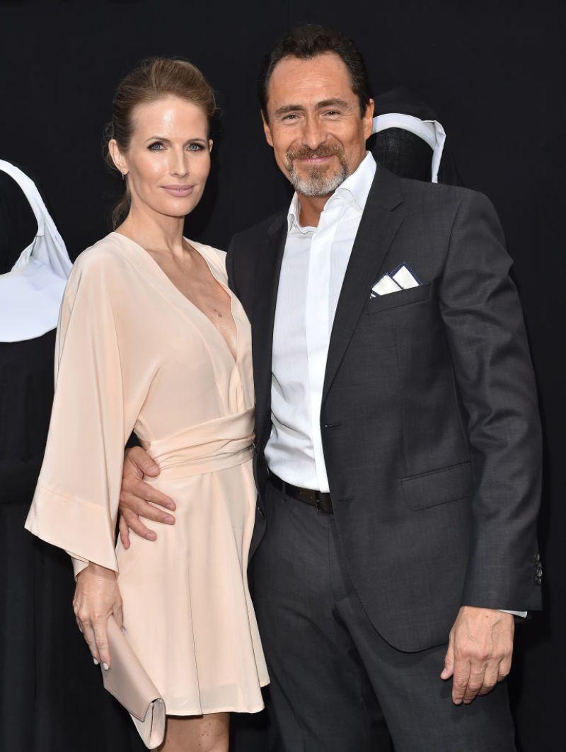 Photo of El actor Demián Bichir confirma el suicidio de su esposa Stefanie Sherk