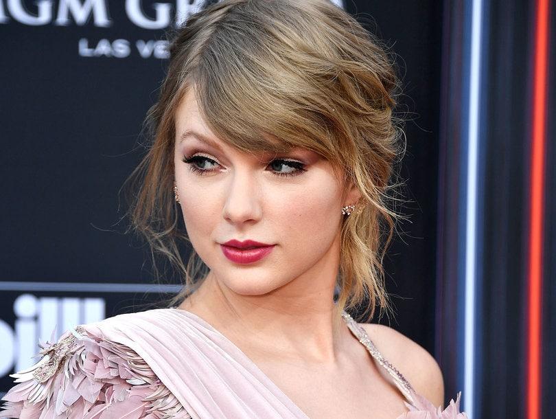 Photo of Taylor Swift donó más de 100 millones de dolares a LGBTQ