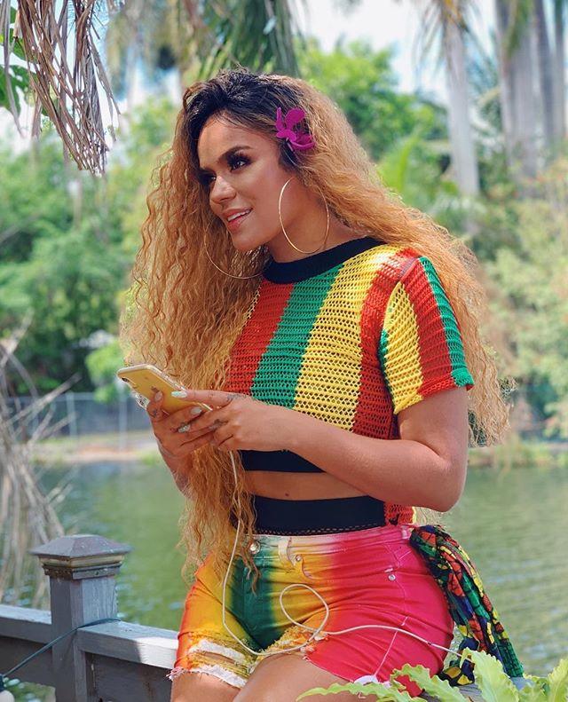 Photo of Karol G estrena  un tema junto al hijo de Bob Marley 'Damian Marley'
