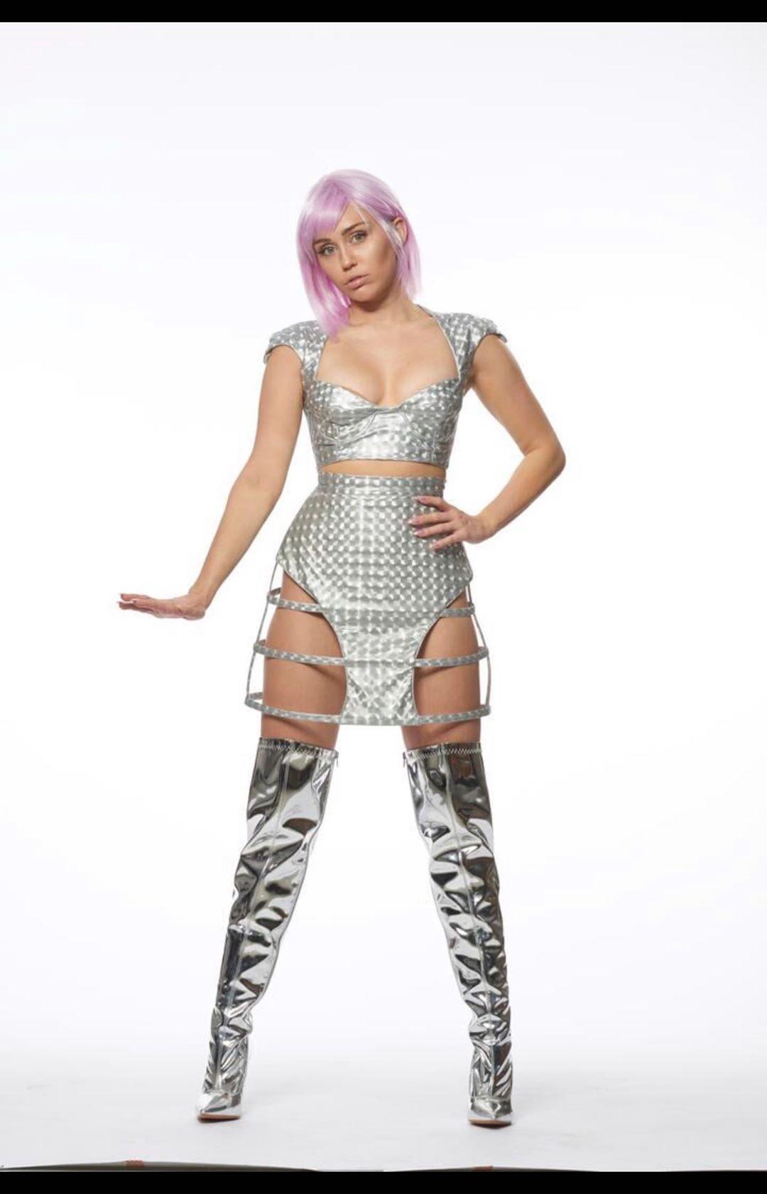 Photo of Miley Cyrus en la 5ta. Temporada de Black Mirror
