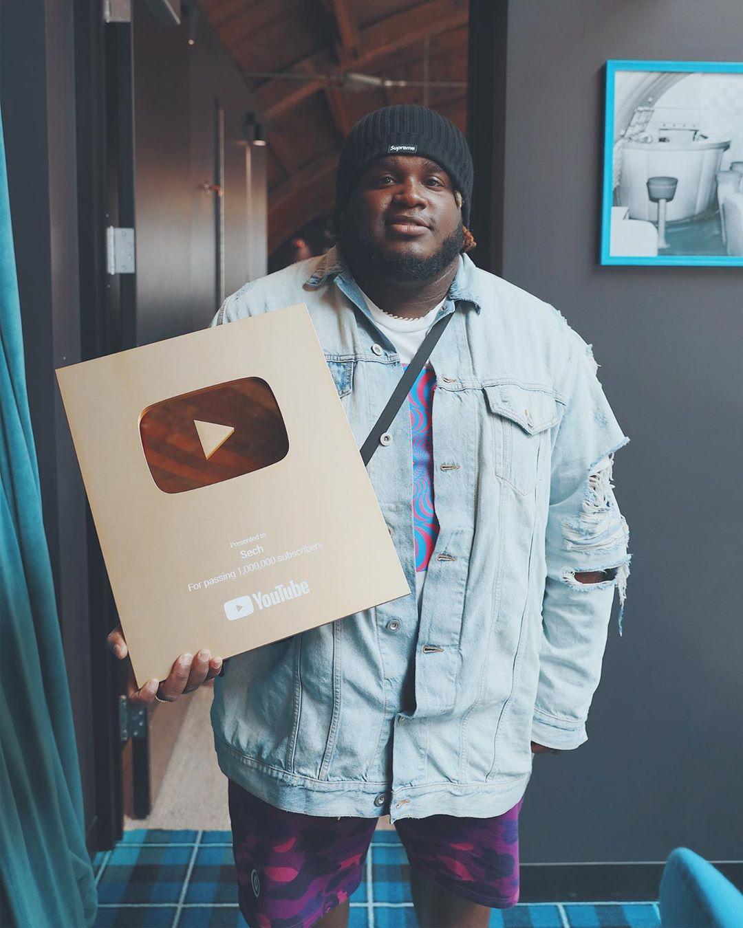 Photo of Sech celebra reconocimiento de YouTube