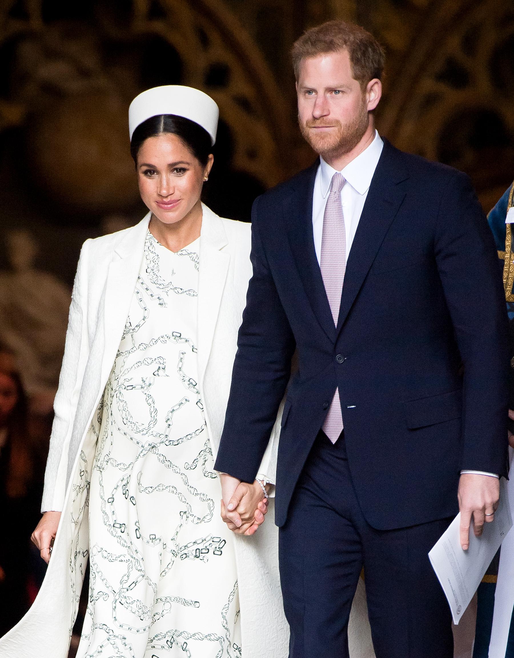 Photo of Meghan Markle y el príncipe Enrique dan la bienvenida a su primer hijo