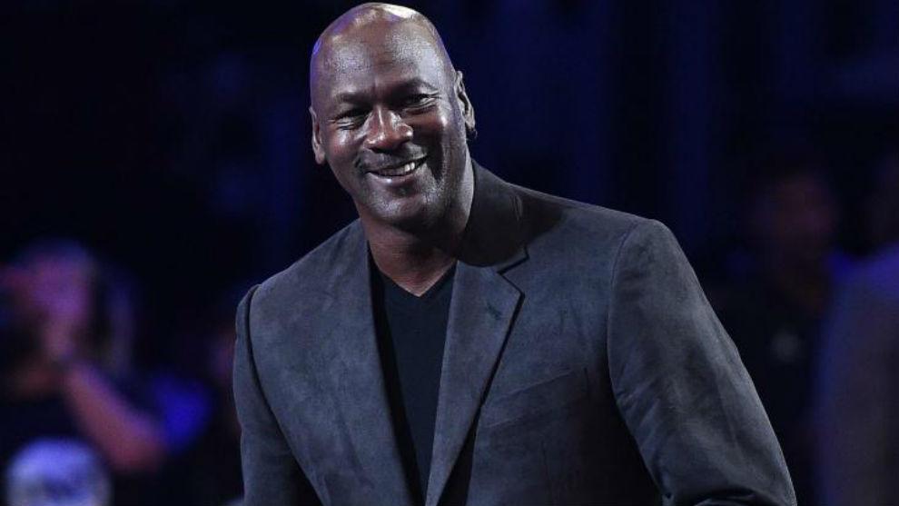 Photo of Artistas coincidieron con Michael Jordan durante su estancia en Francia