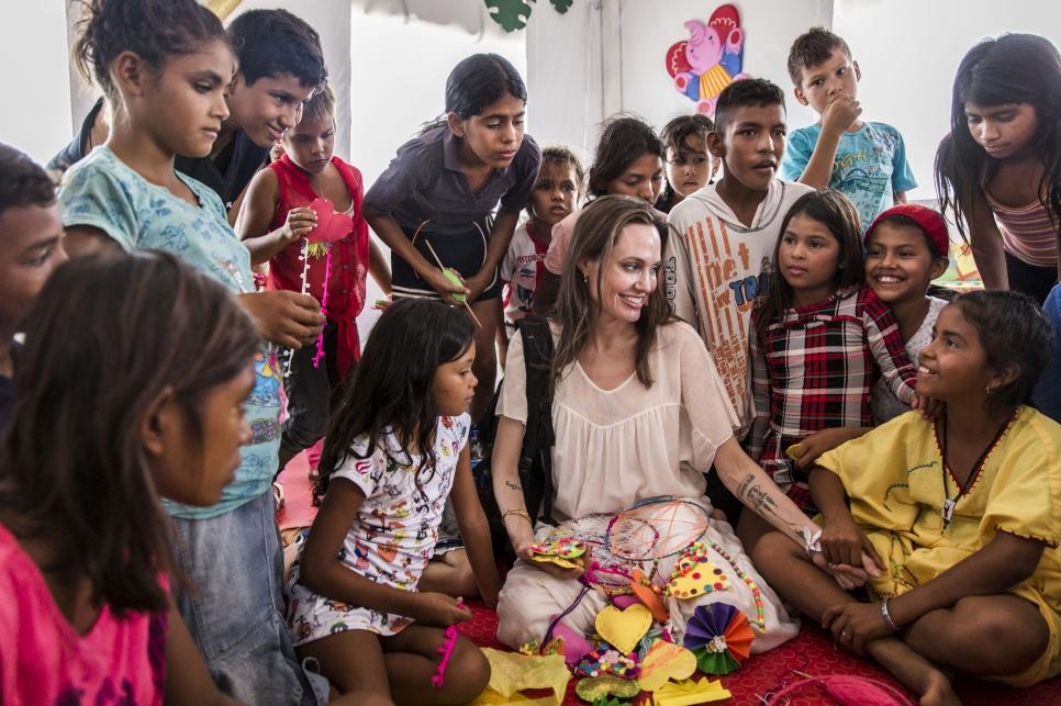 Photo of Angelina Jolie estuvo de visita en Colombia