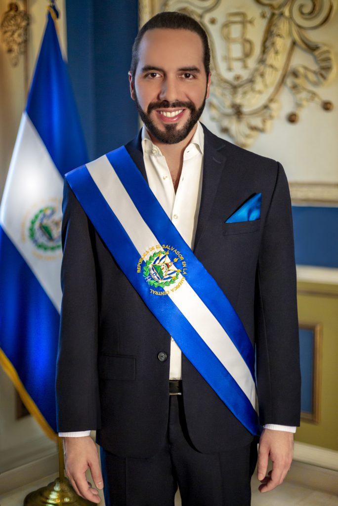 Photo of El nuevo presidente de El Salvador despide a los funcionarios vía Twitter