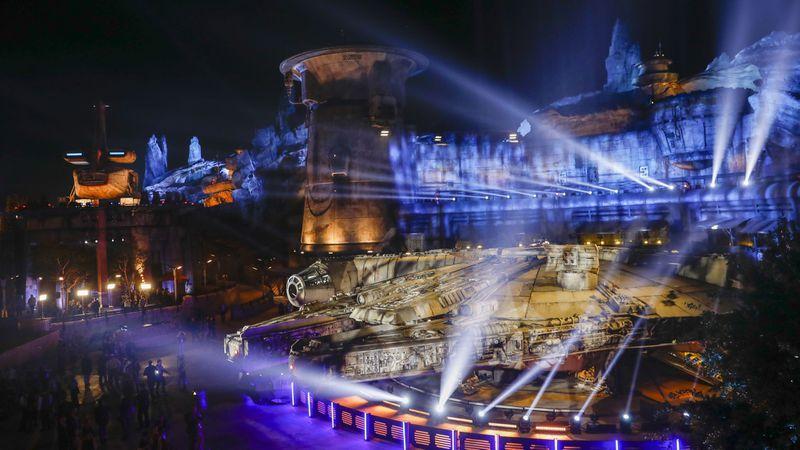"""Photo of Star Wars abre parque temático """"Star Wars: Galaxy's Edge"""" en Disneyland"""
