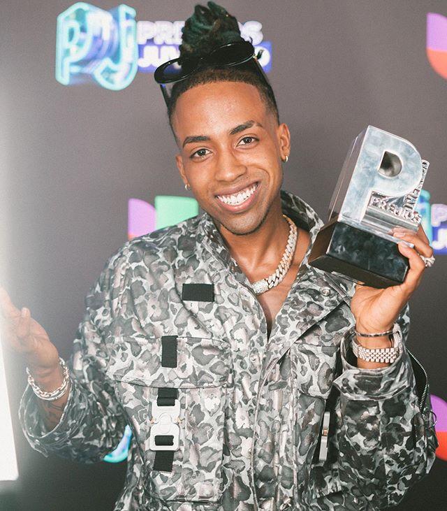 Photo of Amenazzy gana su primer Premio Juventud y estará en Panamá en concierto