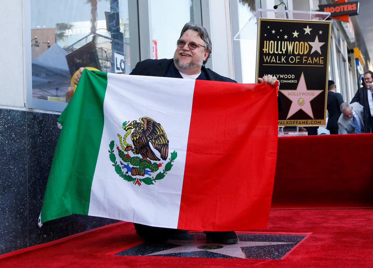 Photo of Guillermo del Toro recibió sus estrella en el Paseo de la Fama en Hollywood