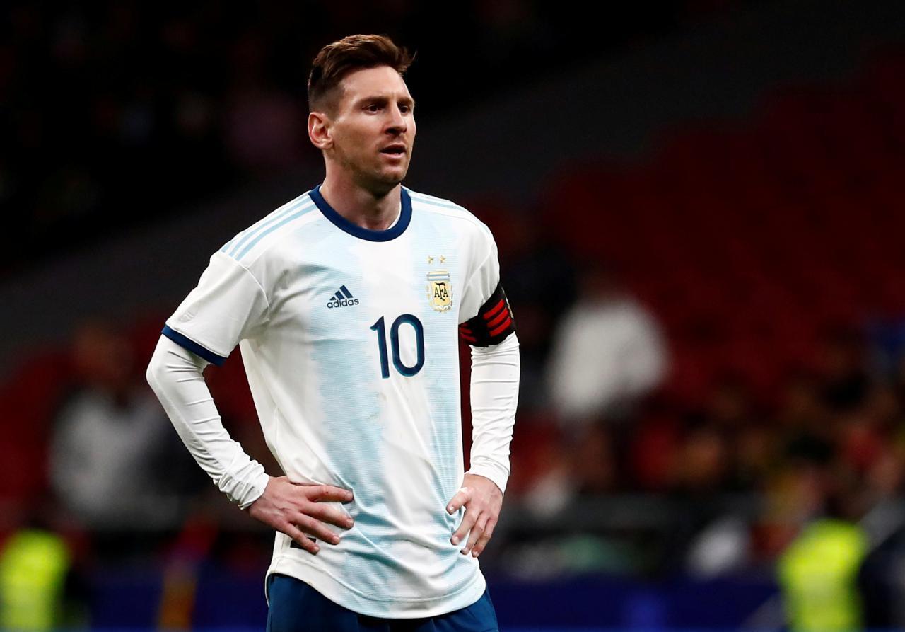 Photo of Lionel Messi es suspendido por 3 meses como sanción por sus declaraciones en la Copa América