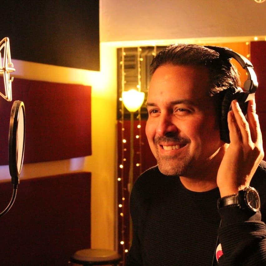 Photo of HBD para el cantante y compositor panameño Ricardo Gaitán