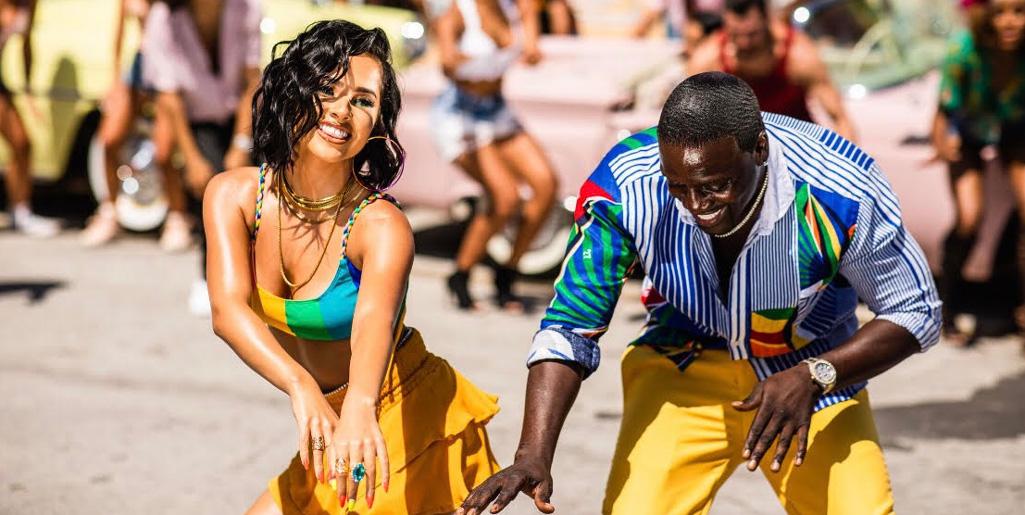 """Photo of Akon estreno """"Como no"""" junto a Becky G"""
